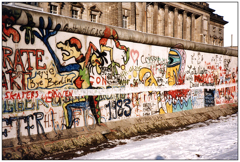 4710752-west-germany-berlin-wall